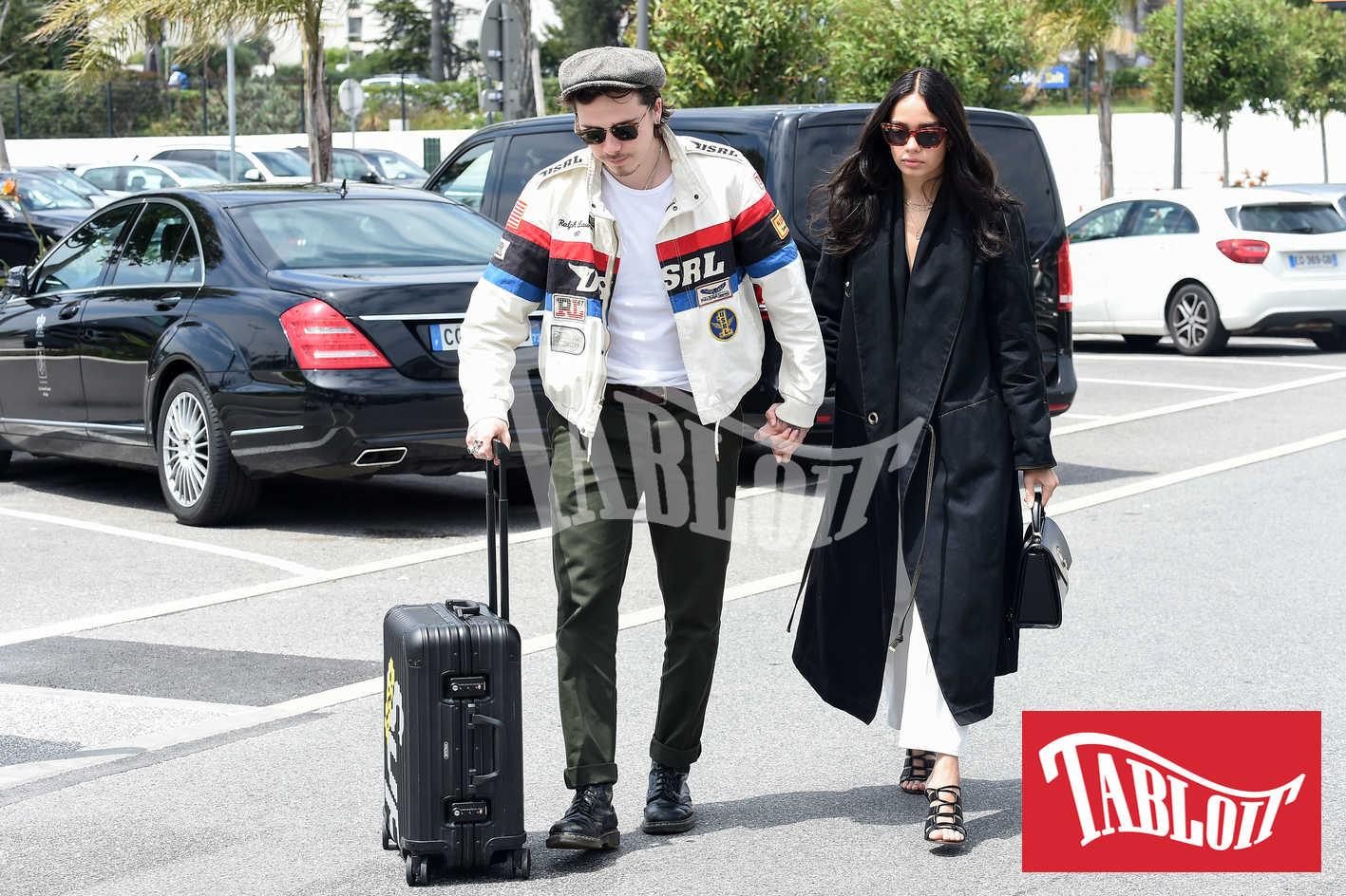 Brooklyn Beckham con la fidanzata Hana Cross