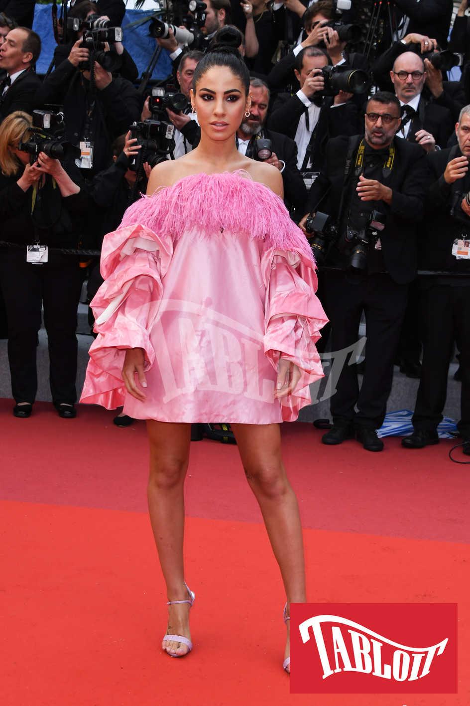 giulia de lellis in rosa sul tappeto rosa di cannes
