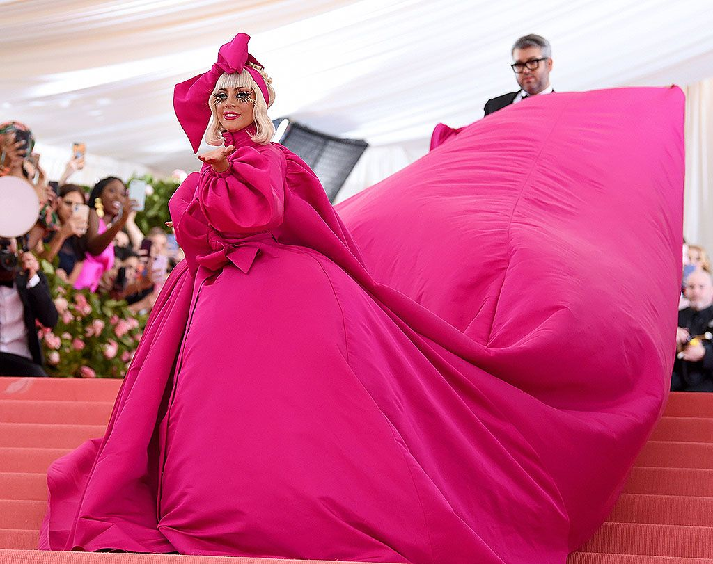 Lady Gaga sul red carpet dei Met Gala