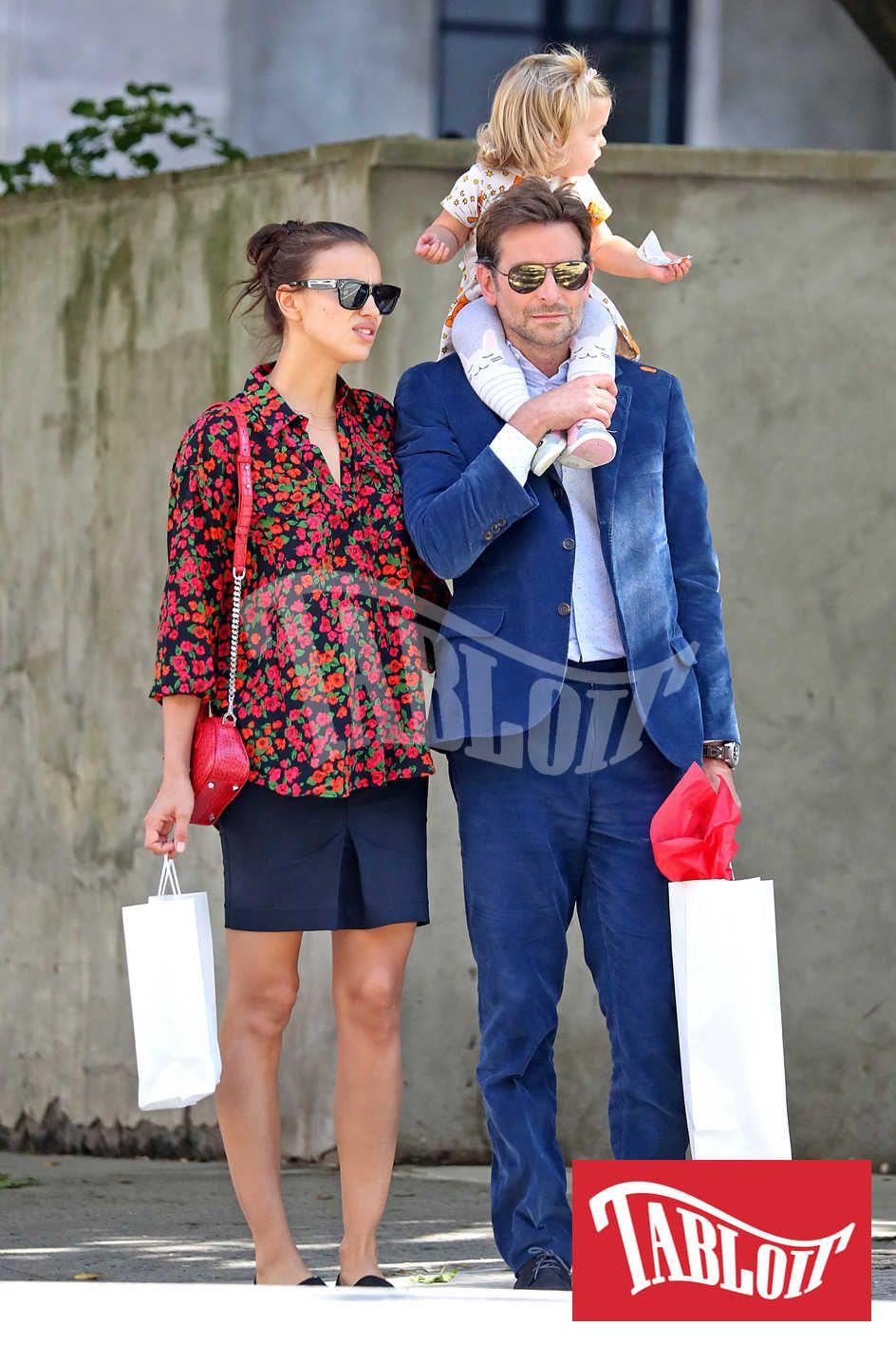 Irina Shayk e Bradley Cooper con la figlia
