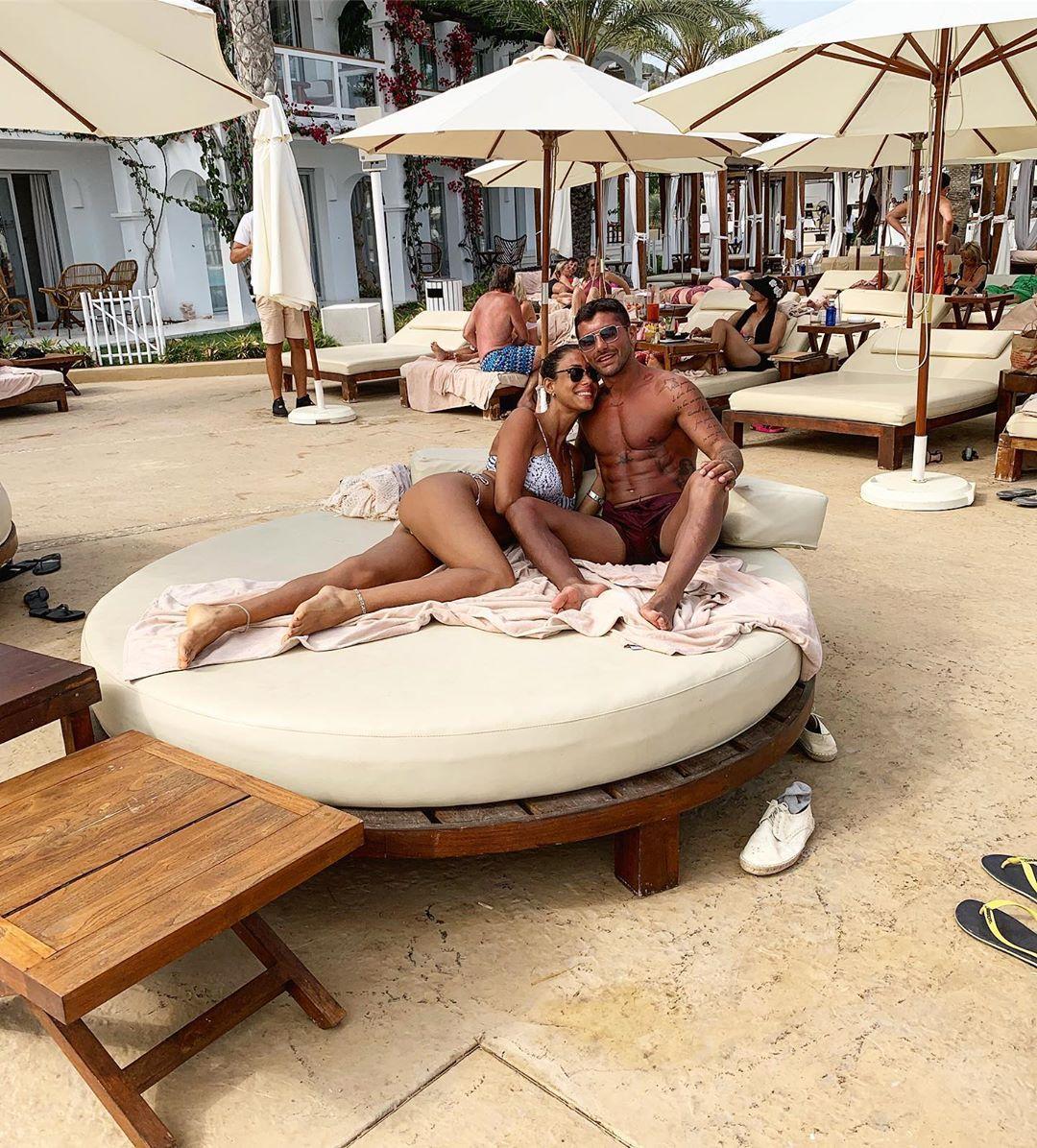 Alessio Bruno con la fidanzata Eleonora D'Alessandro nell'ultima foto pubblicata su Instagram prima dell'arresto