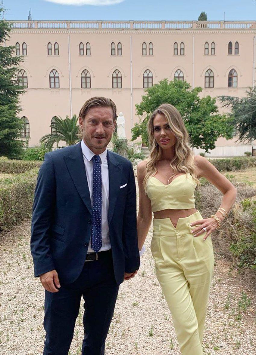 Francesco Totti e Ilary Blasi alle nozze di Silvia Blasi