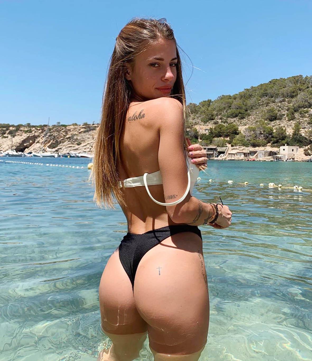 Chiara Nasti durante la recente vacanza a Ibiza