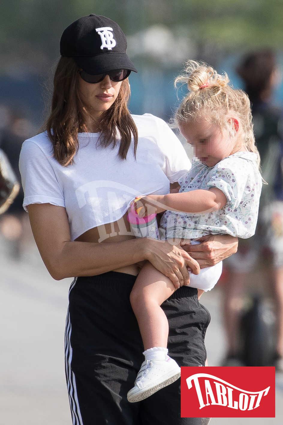 Irina Shayk insieme alla figlia Lea De Seine