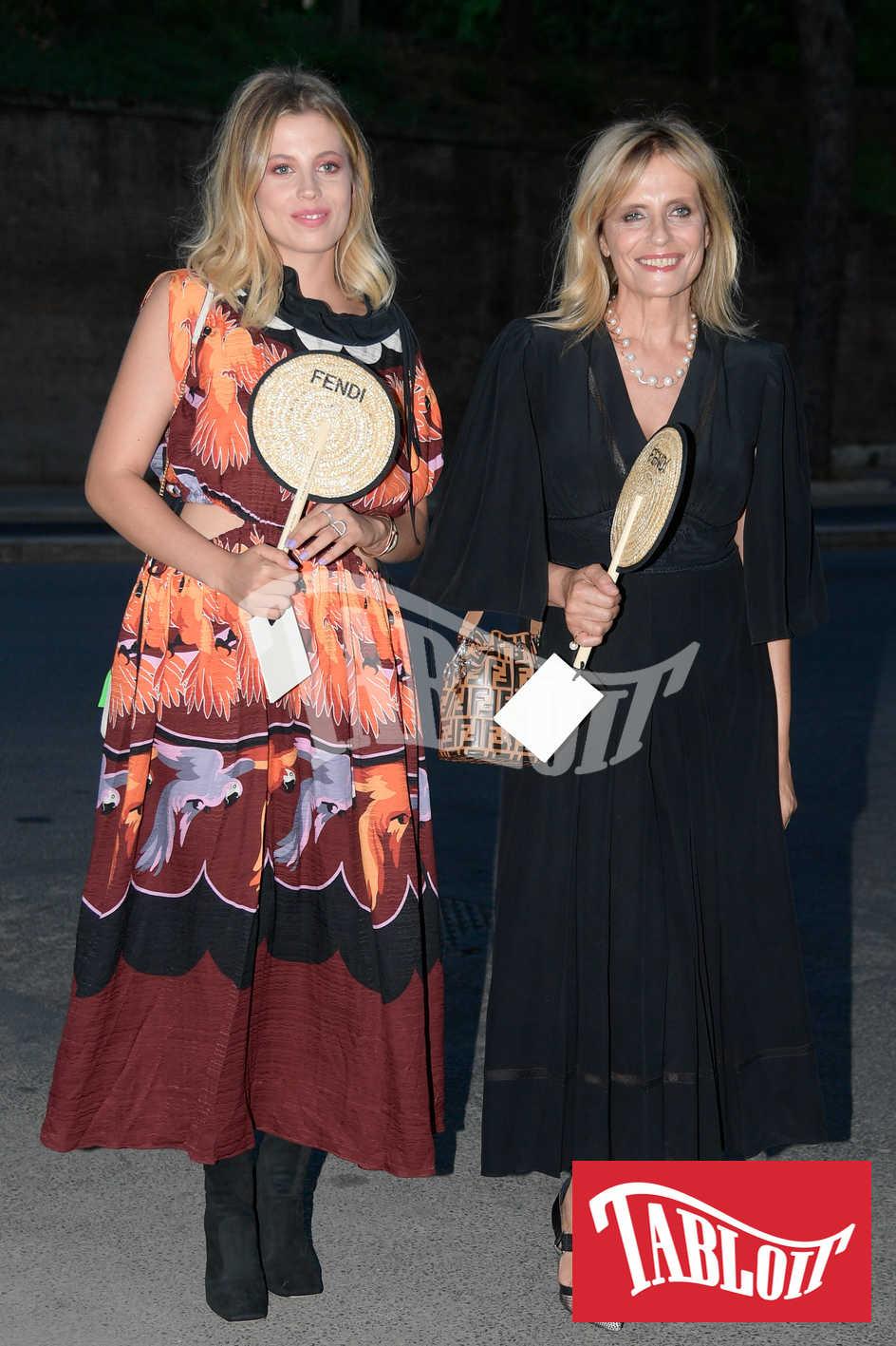 Isabella Ferrari con la figlia alla sfilata di Fendi 2019 a Roma