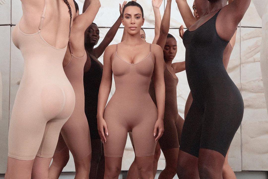 """Kim Kardashian con la linea di lingerie """"Kimono"""""""