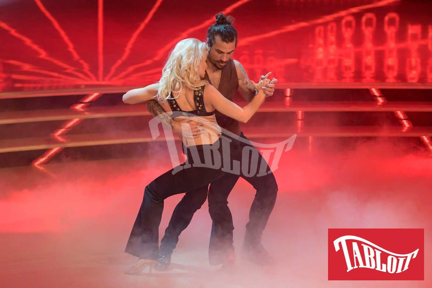 Dani Osvaldo e Veera Kinnunen durante una puntata di Ballando con le Stelle
