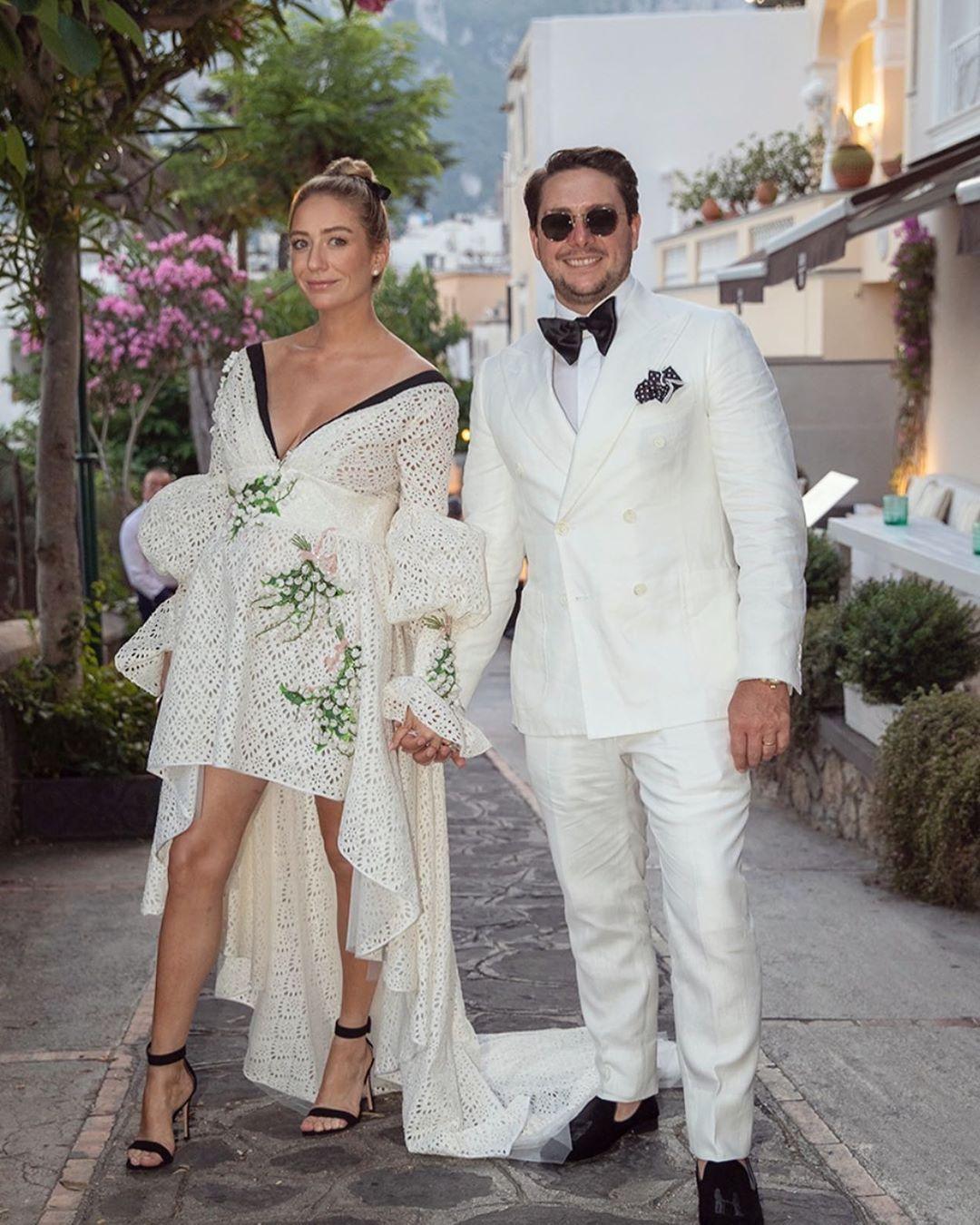 Whitney Wolfe a Capri insieme al marito Michael Herd