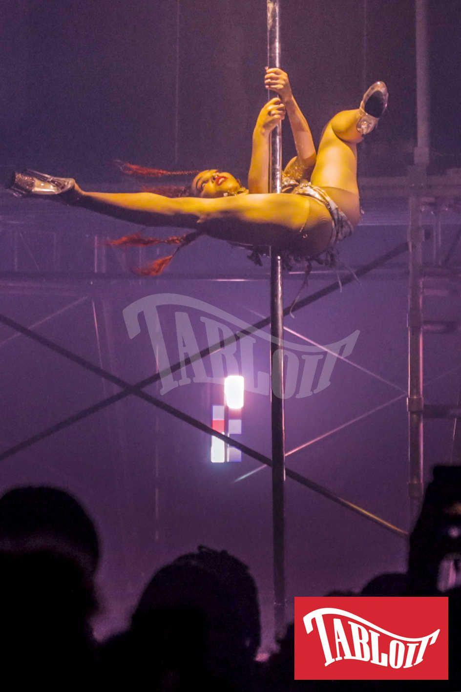 FKA Twigs pole dance