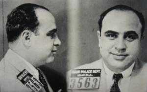 Al Capone al momento dell'arresto. Tom Hardy lo interpreterà in Fonzo.
