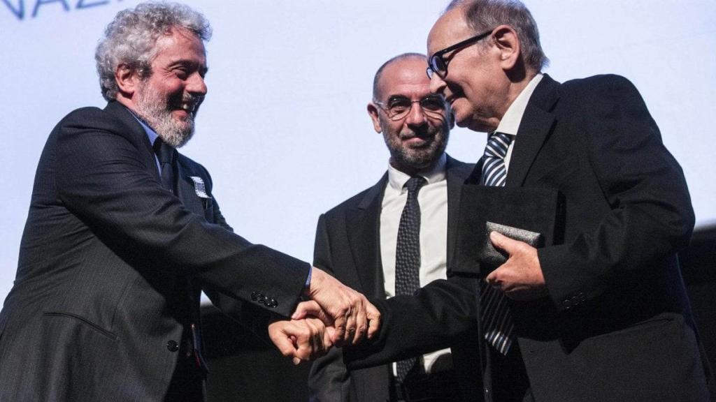 I premi Oscar Nicola Piovani ed Ennio Morricone (Repubblica)