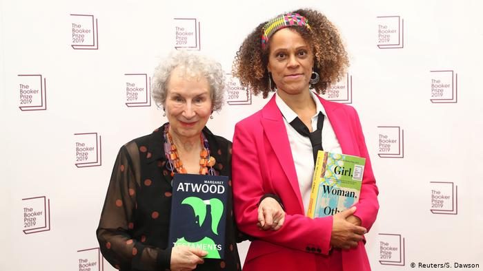 Margaret Atwood The Testaments seguito di The Handmaid's Tale