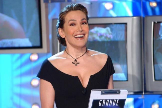 """Barbara D'Urso al """"Grande Fratello Nip"""": la reazione dei personaggi delle serie tv"""