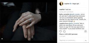 """Dal profilo Instagram di Sophie Turner: la mano di lei sopra la mano di lui, un anello e la didascalia: """"I said yes."""""""