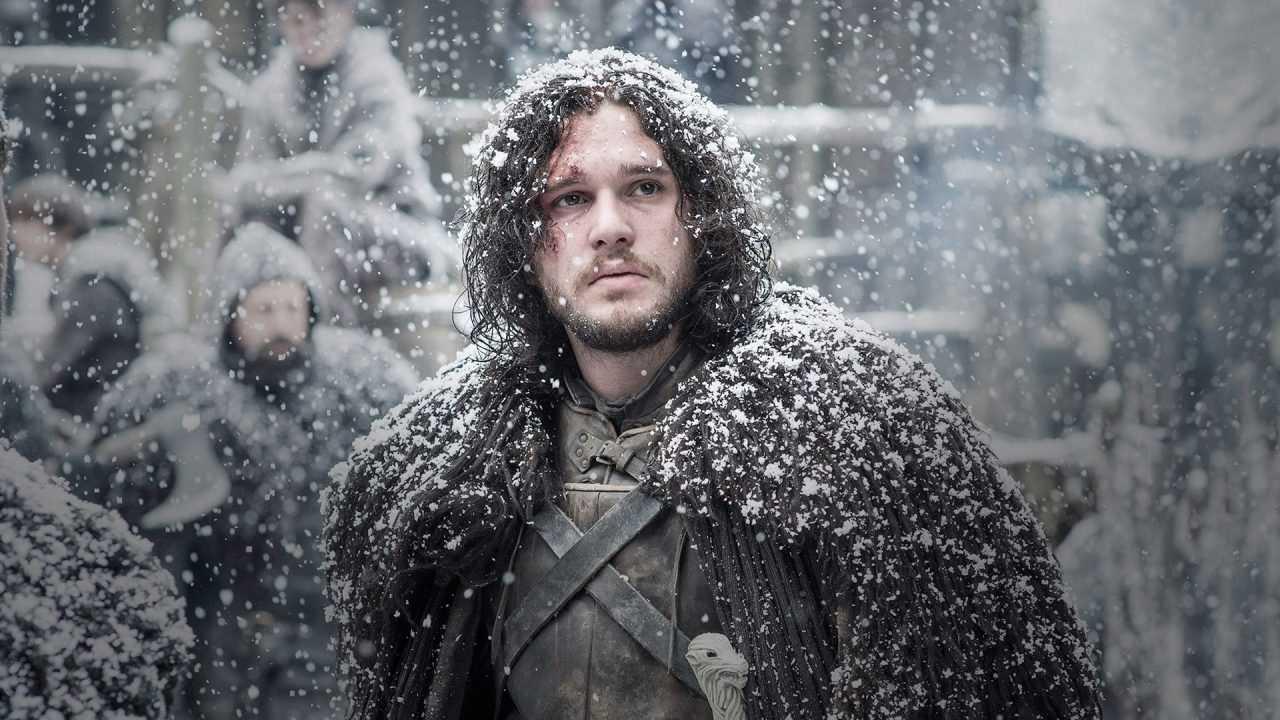 John Snow ricoperto di neve.