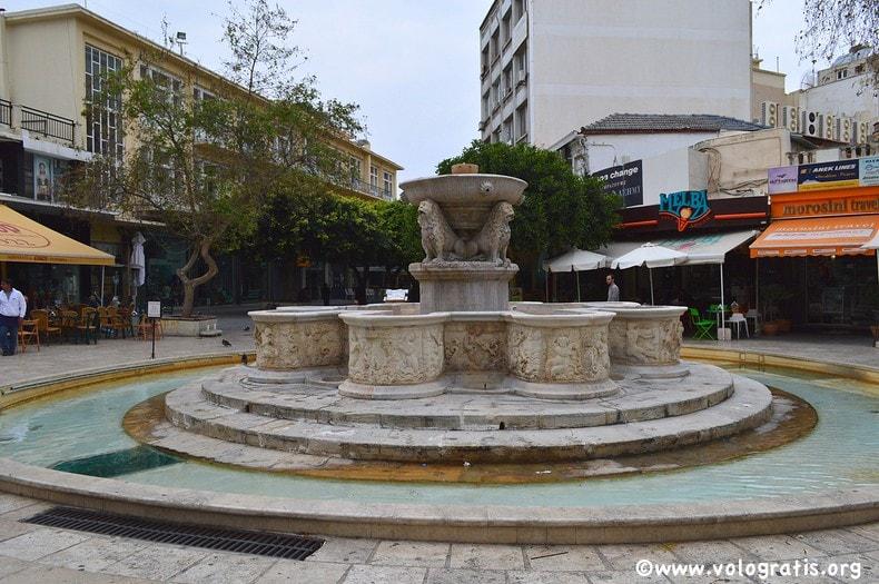 fontana dei leoni del morisini a heraklyon creta