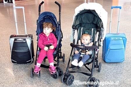 Viaggiare in aereo con bambini con easyjet