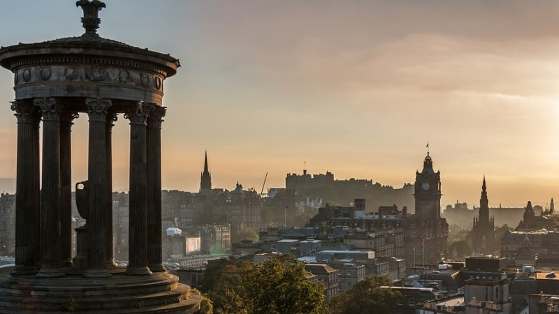 voli low cost per edimburgo