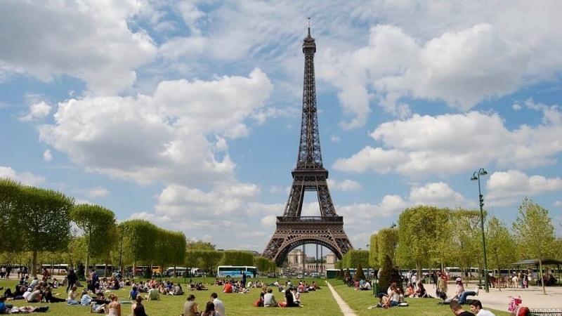 concorso per vincere un viaggio a parigi
