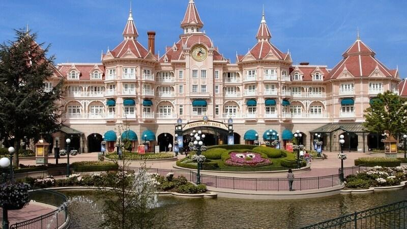 Offerta Disneyland Paris: sconti fino al 25% + mezza pensione ...