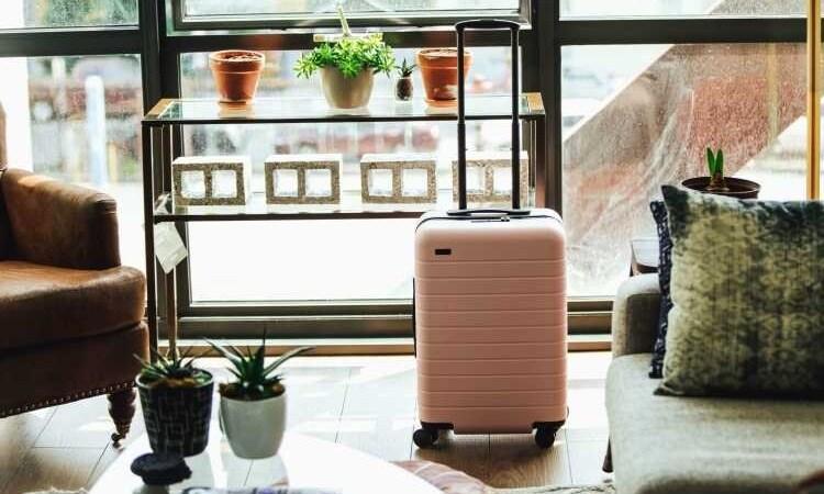 829b62c1de87 valigia per la settimana bianca