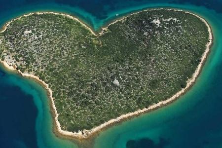 isola forma cuore croazia