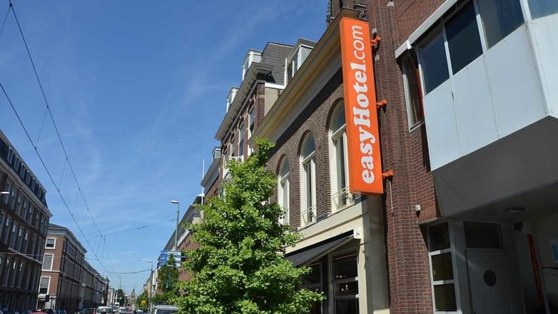 easyhotel hotel low cost (2)
