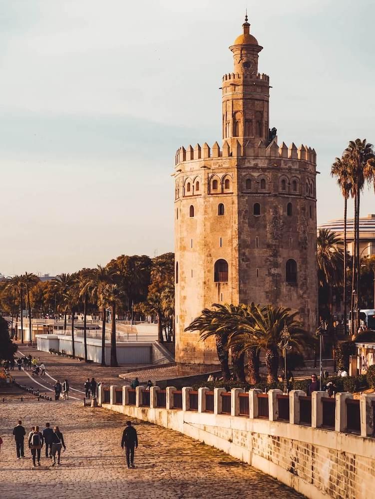 torre dell oro da vedere a siviglia