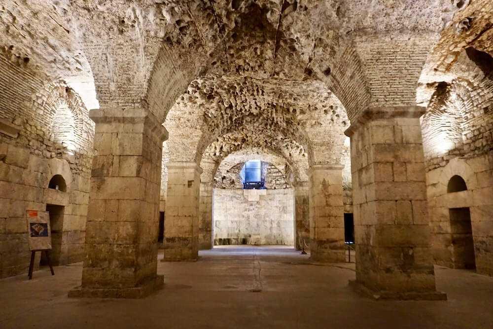 spalato cosa vedere sotterranei palazzo diocleziano
