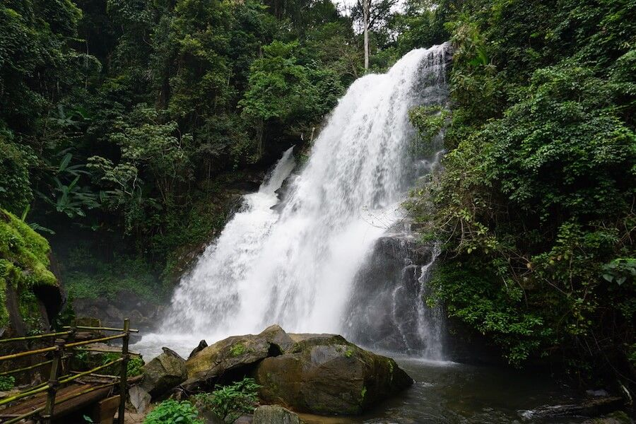 cascata al Doi Inthanon National Park