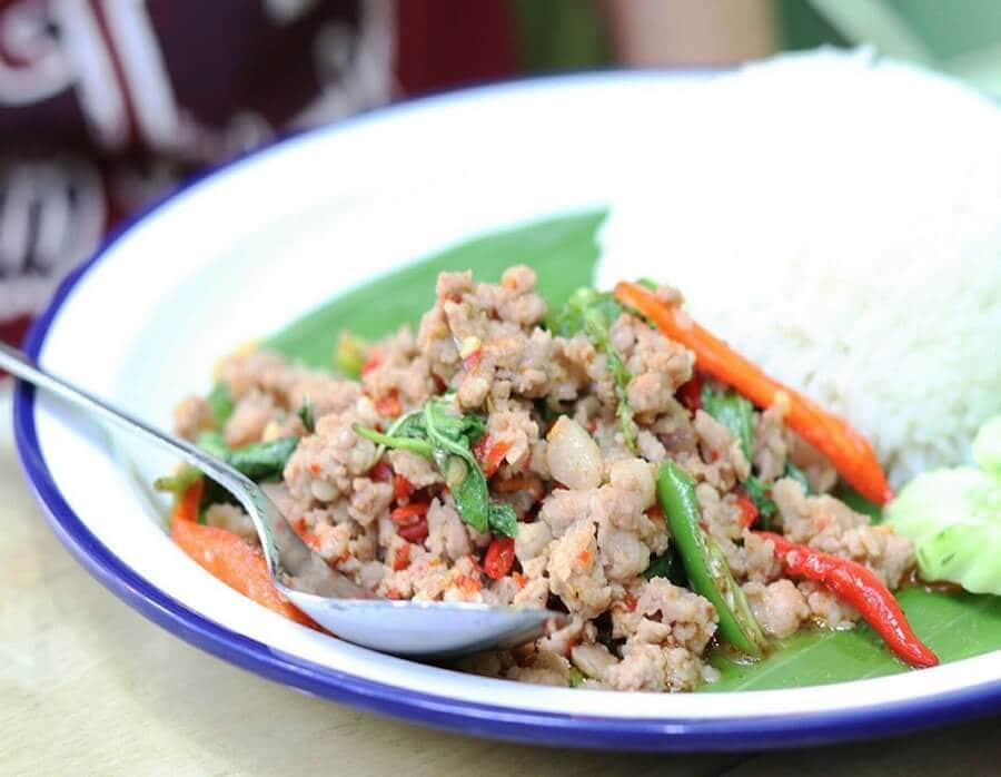 pad krapow moo cucina thai