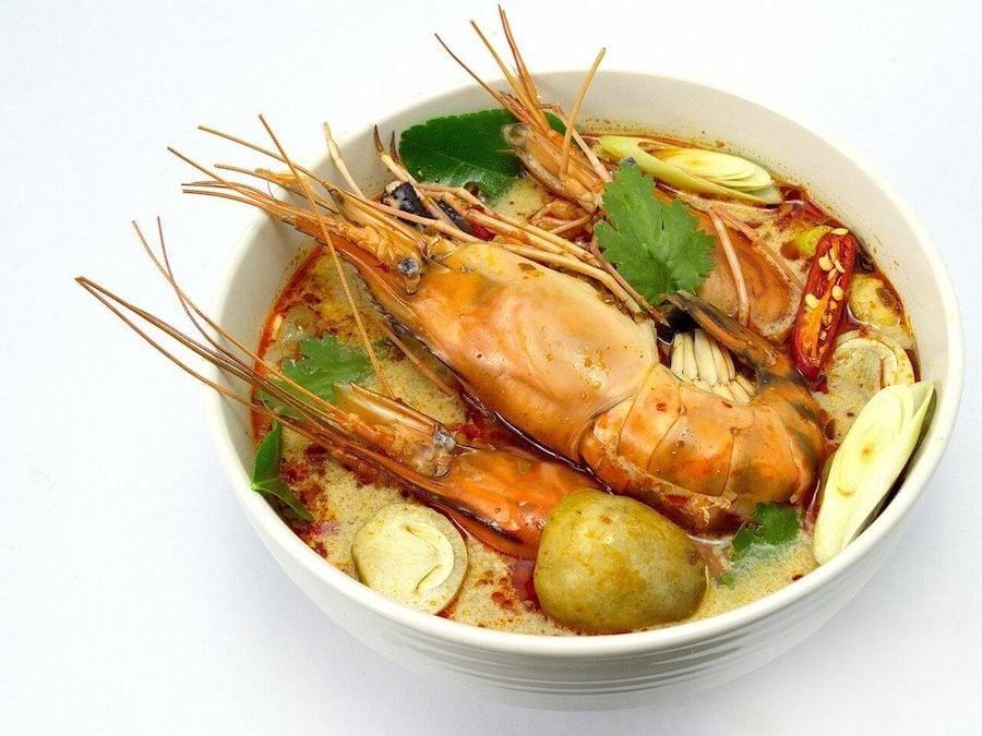 tom yum goong cibo thailandese