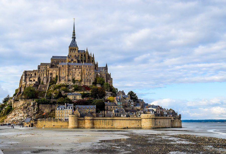 mont saint michel castello disney