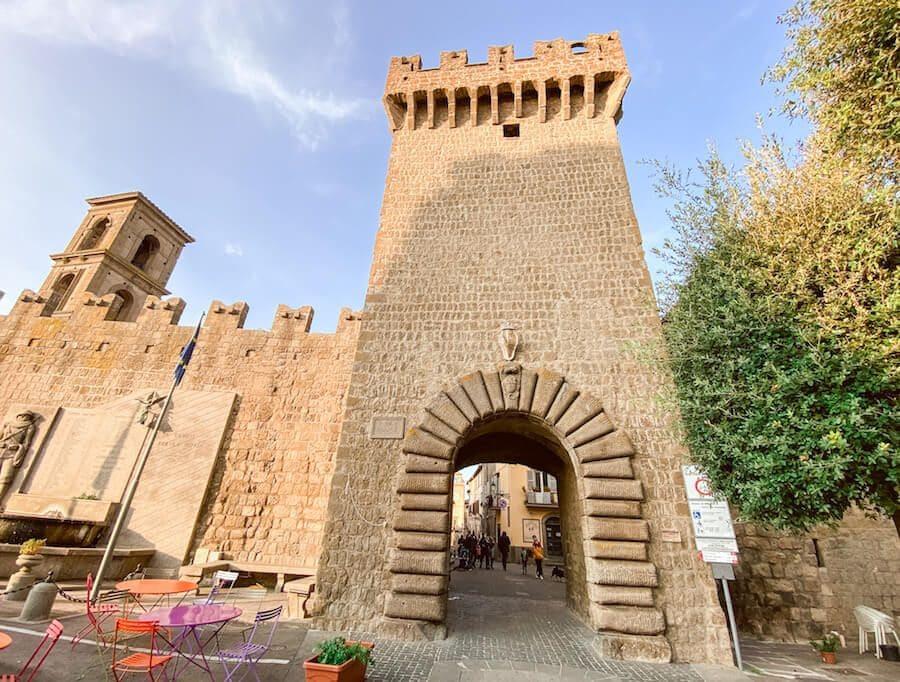 vitorchiano mura porta romana