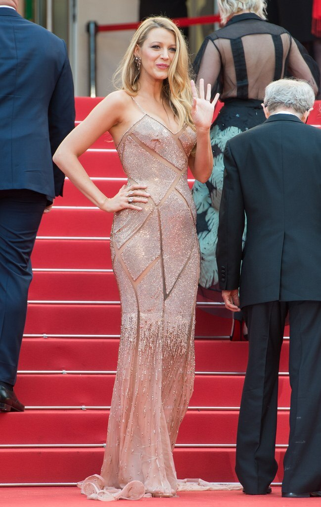 cannes-2016-blake-lively-atelier-versace