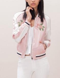 come abbinare bomber jacket rosa