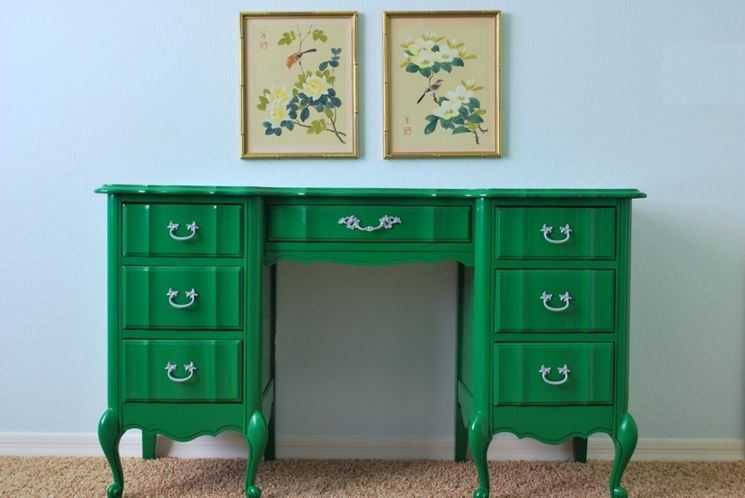 Vecchi mobili come ridargli vita per arredare casa con il riciclo creativo wegirls - Mobili effetto invecchiato ...